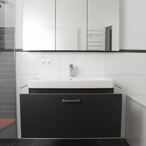 badezimmerm bel 1 schreinerei schreiber. Black Bedroom Furniture Sets. Home Design Ideas