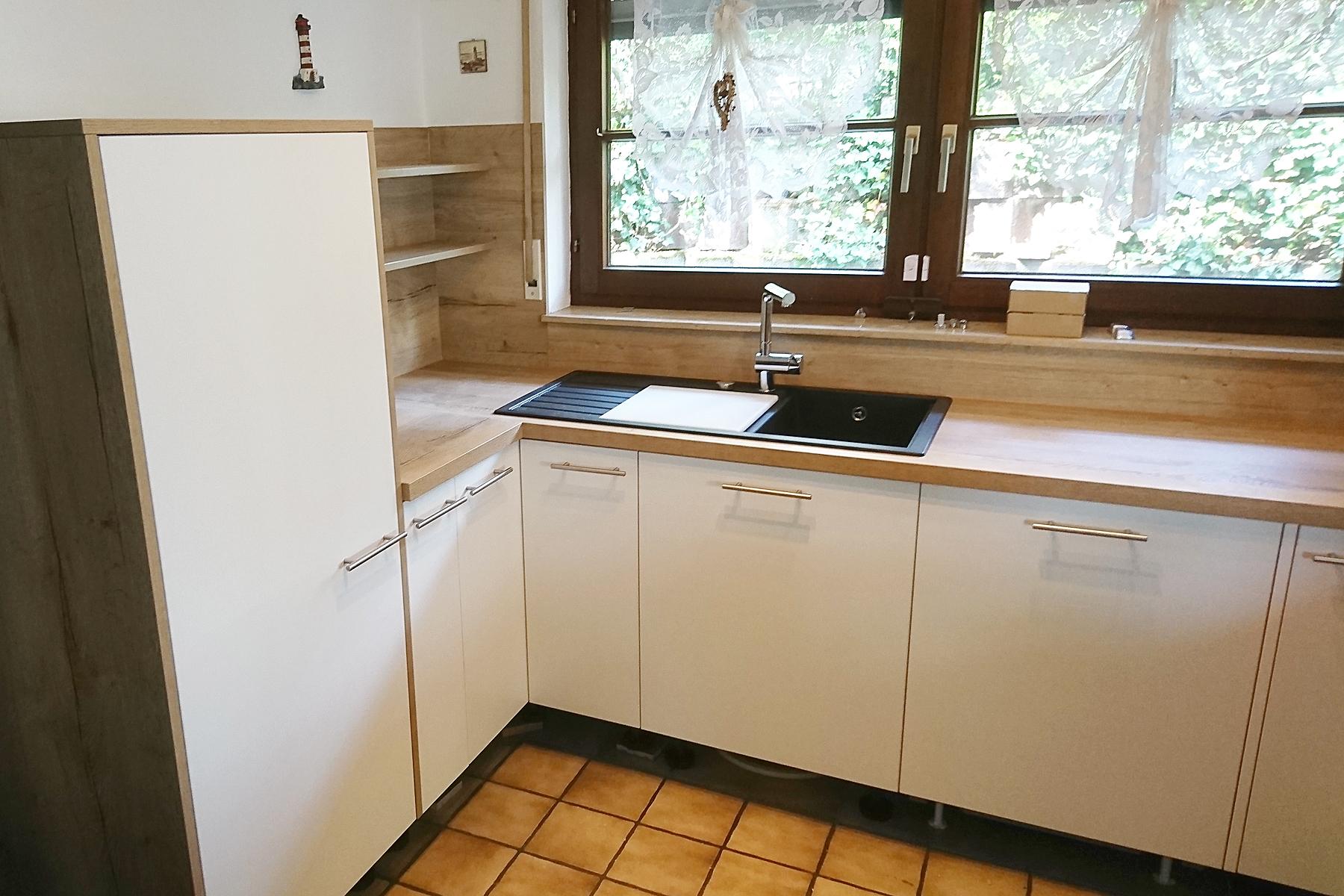 Küche in Holz und Weiß - Schreinerei Schreiber